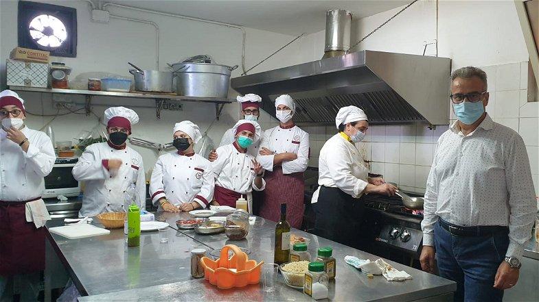 Torna l'alternanza scuola lavoro: Gli allievi dell'Aletti di Trebisacce in trasferta nella vicina Roseto