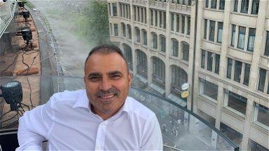Da 35 anni torna puntualmente in Calabria per votare. La storia di Carlo Bauleo, emigrato in Svizzera