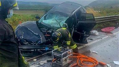 Incidente a Spezzano albanese, è morta la ragazza a bordo dell'Audi