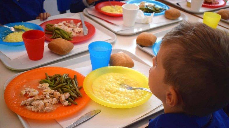 A Crosia riparte la mensa scolastica: prezzi calmierati e prodotti a km0