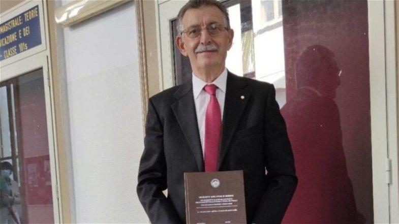 Consegue la sesta laurea alla soglia dei 71 anni: è il plurilaureato Gennaro Cortese