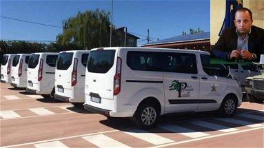 Il Parco del Pollino consegna 9 minivan ibridi per la mobilità sostenibile. Severino: «Morano non ha aderito»