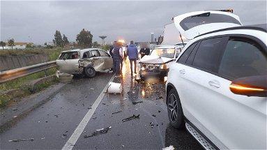 Corigliano-Rossano, ennesimo incidente sulla strada Statale 106